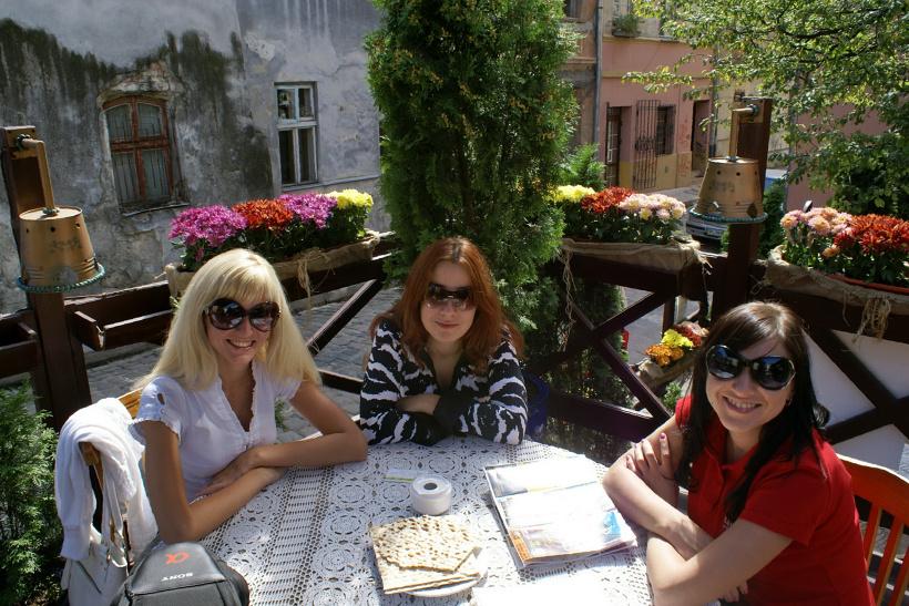 Отдых во Львове. Фото. Жидівська кнайпа Під Золотою Розою