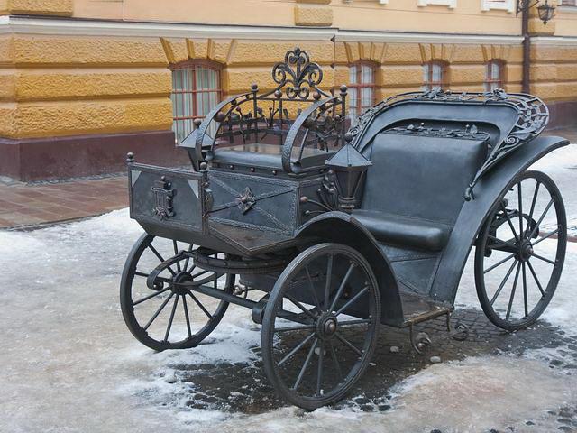 Черновцы достопримечательности Карета на Кобылянской