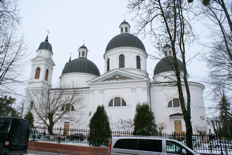 Черновцы достопримечательности Кафедральный собор сошествия Святого Духа фото